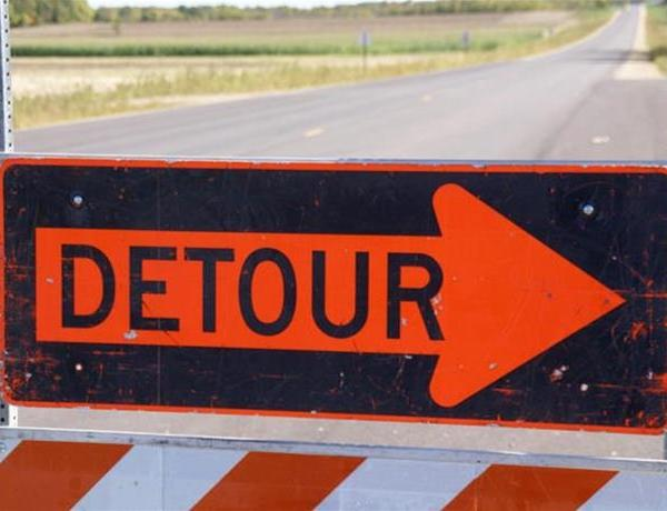 Road Detour in Place _6454091511337600233