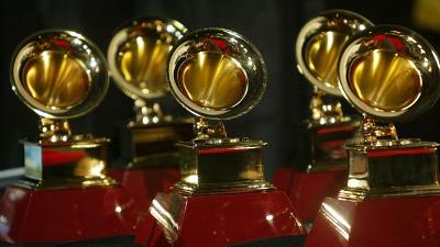 Grammy-Awards--Grammys-trophy_20160215104429-159532