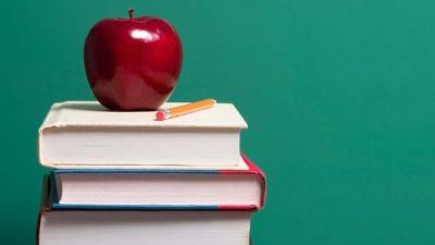 Hot-careers---Apple-on-top-of-school-books-jpg_20160331015409-159532