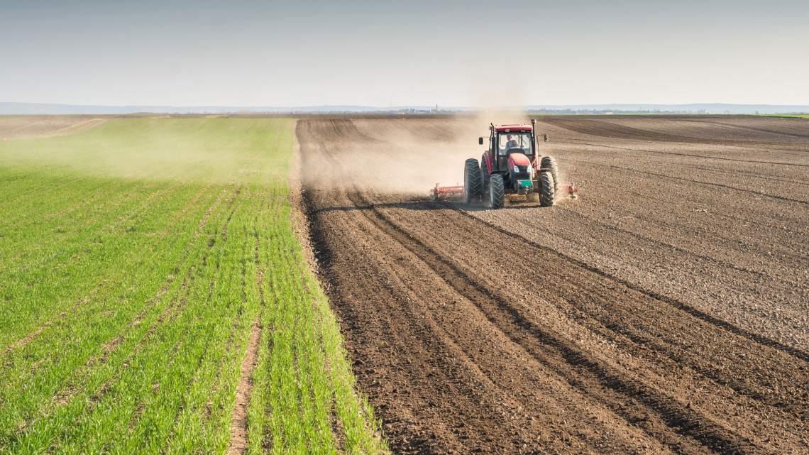 WEB15-ClimateChange-Agriculture-FarmingTractor-3200x1800_1470537002525.jpg