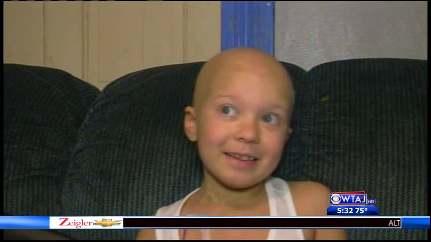Classmates Send Gifts To Girl With Leukemia_18832023-159532