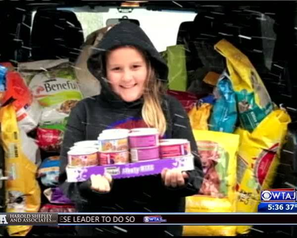10-year-old donates presents to humane society_93888979-159532