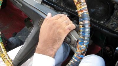 Senior-driver--car--steering-wheel-jpg_20160426131502-159532