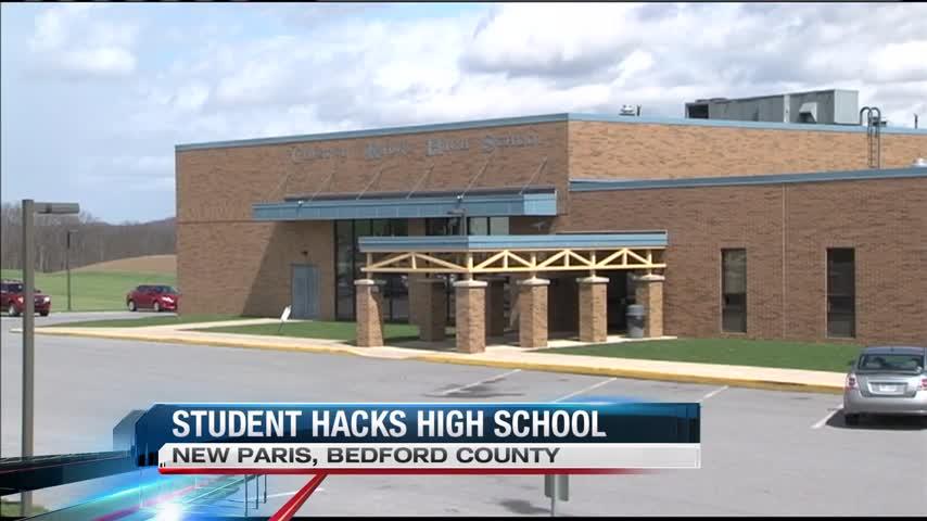 Teen hacks school computers_76561974