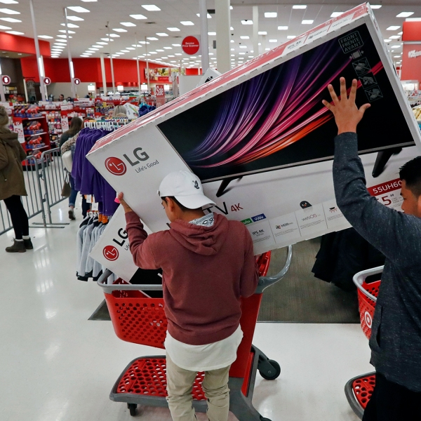 Target Black Friday shopping-159532.jpg04164614