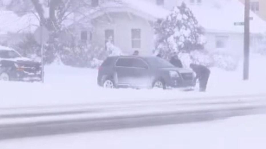 Heavy snow on Christmas Eerie, Pa_1514258865007.jpg-159532.jpg86101391