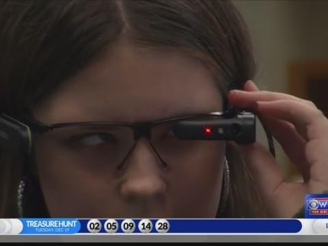 Smart glasses help blind teen see