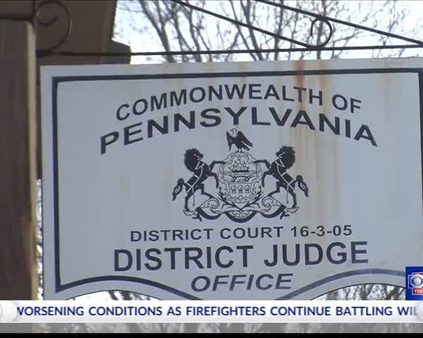 Prison guard accused of smuggling drugs in court