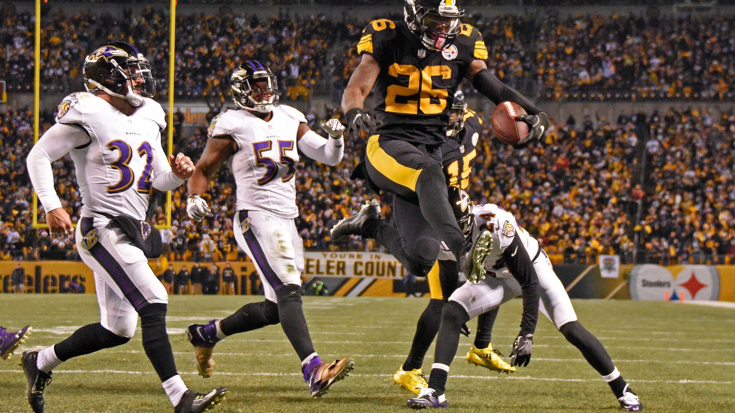 Steelers_Bell_Football_52118-159532.jpg48917229