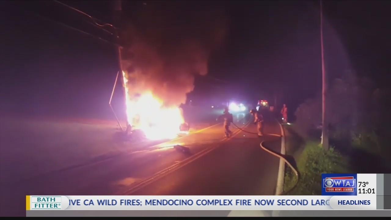 Man saves victims from burning car