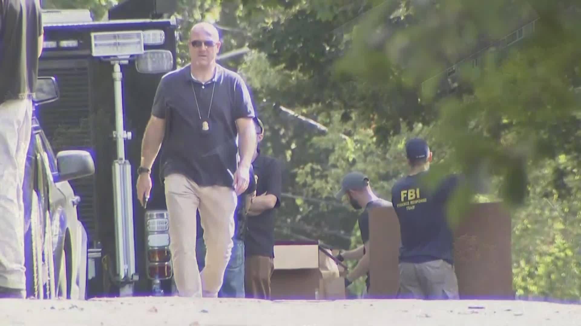 Man_arrested_in_NY_bomb_threat_0_20181011181050