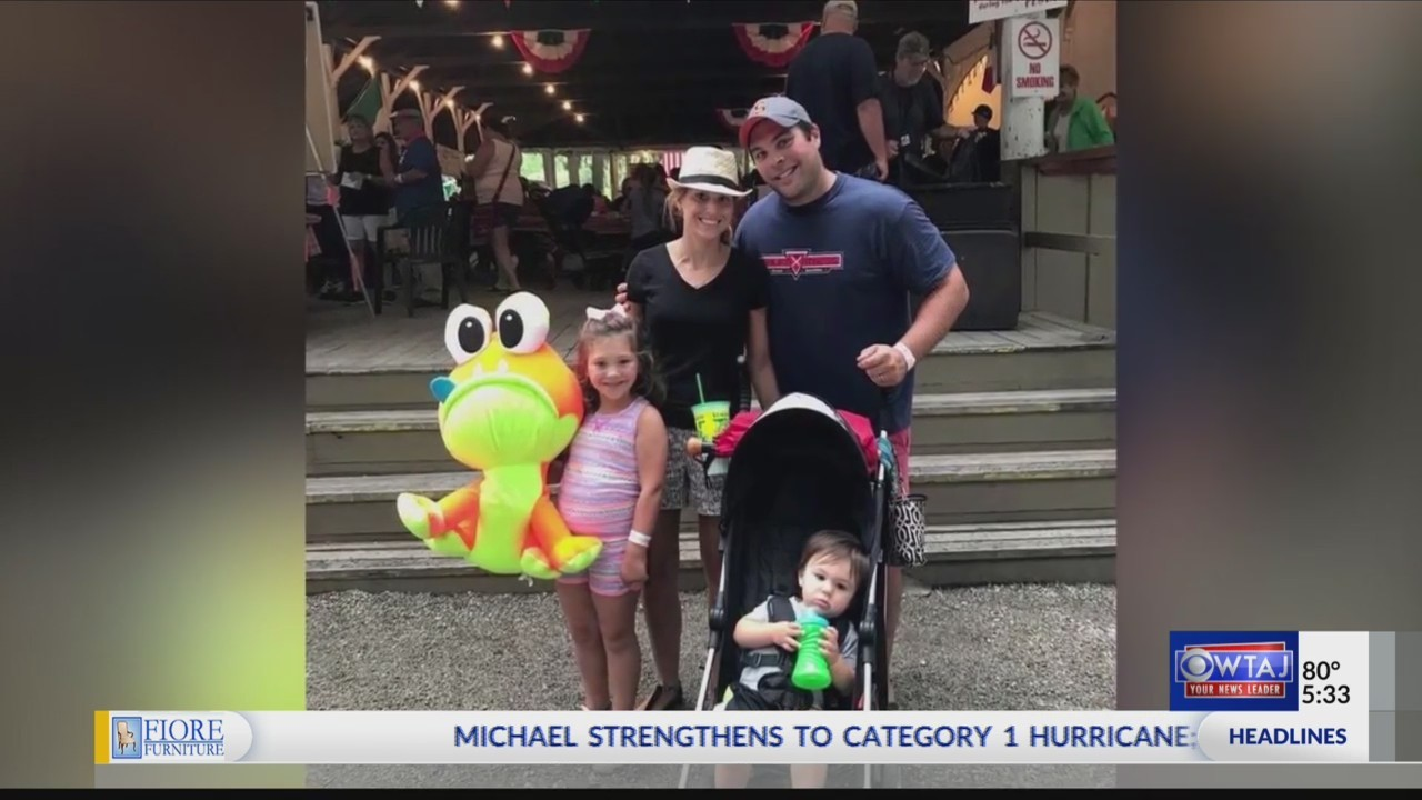 Tomahawks help raise $5,000 for coach's wife