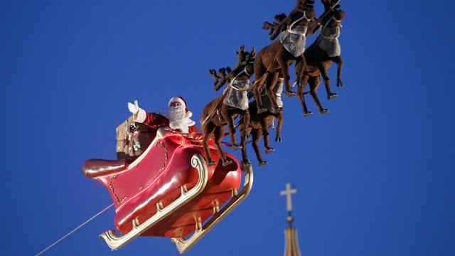Santa Claus in sleigh_3036258005886088-159532