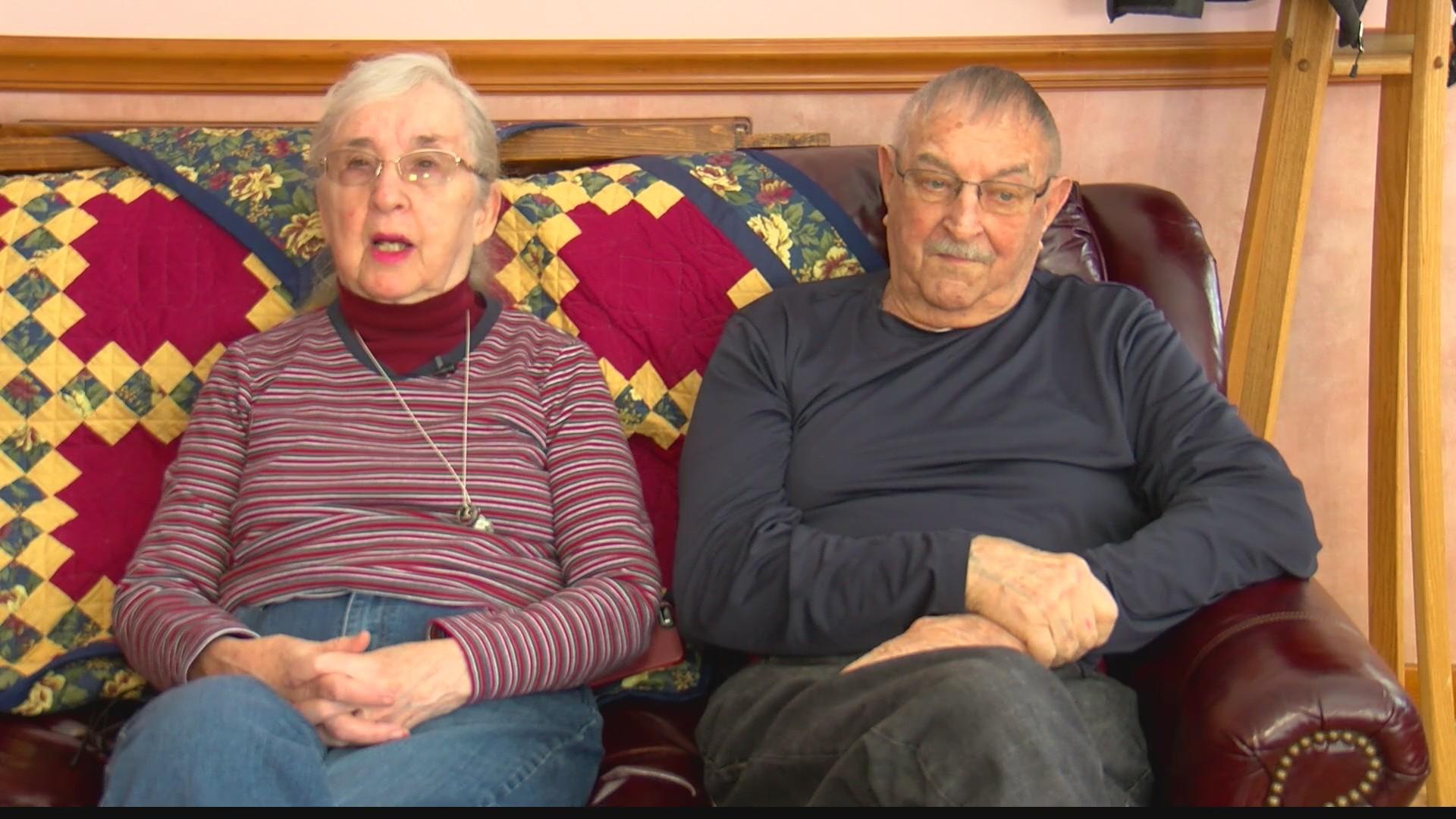 Neighbors_help_Williamsburg_couple_shove_0_20190221234202