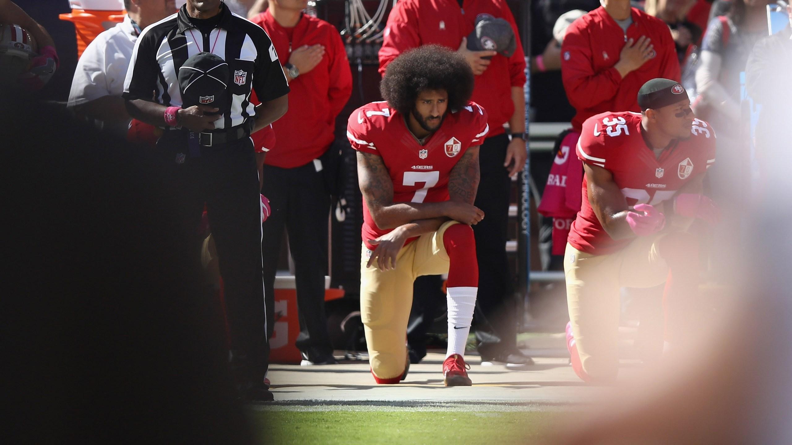 colin kaepernick, san francisco 49ers, national anthem protest46070703-159532