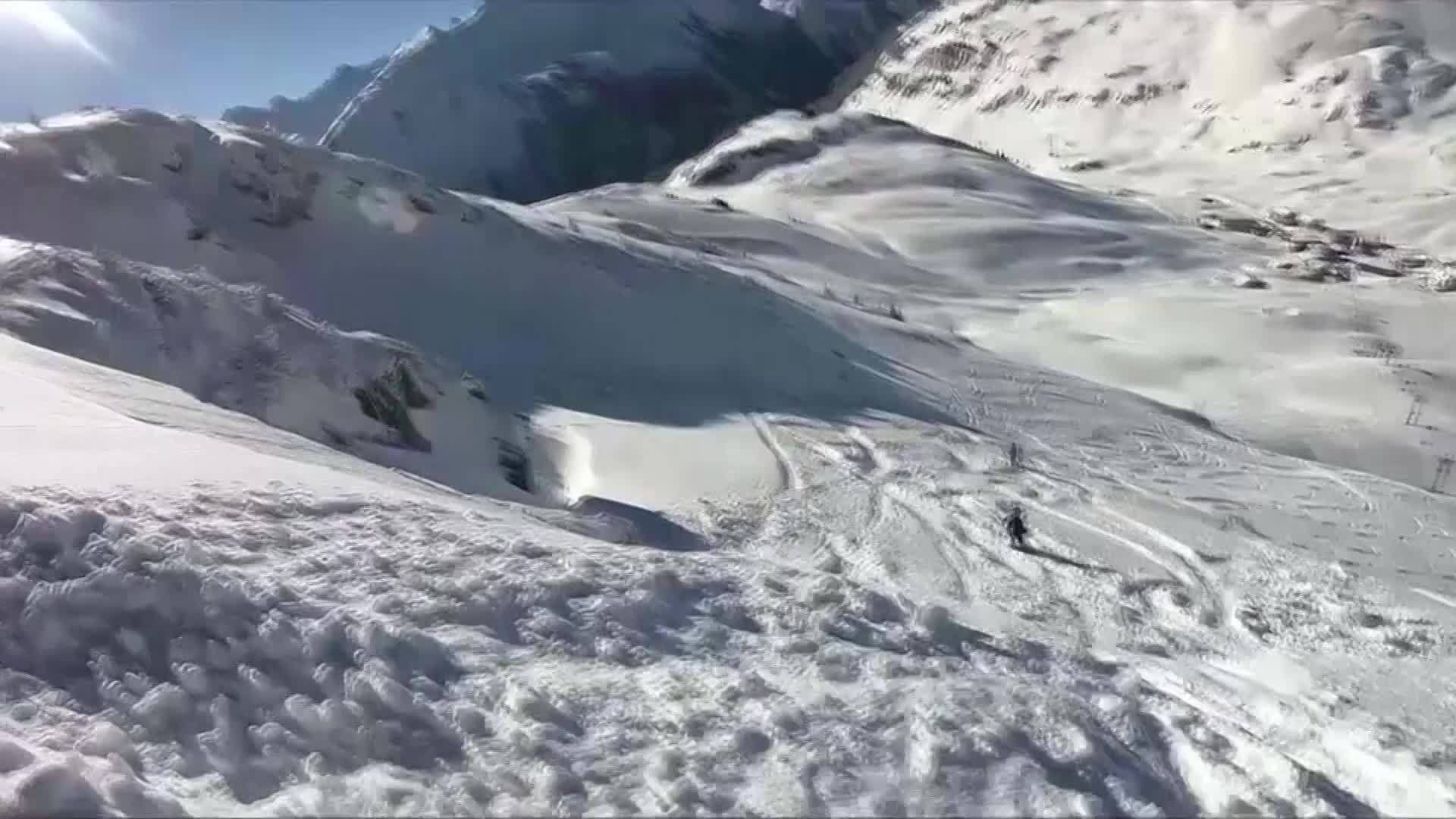 Caught_on_Camera_Skier_Avalanche_in_Aust_0_20190320160203