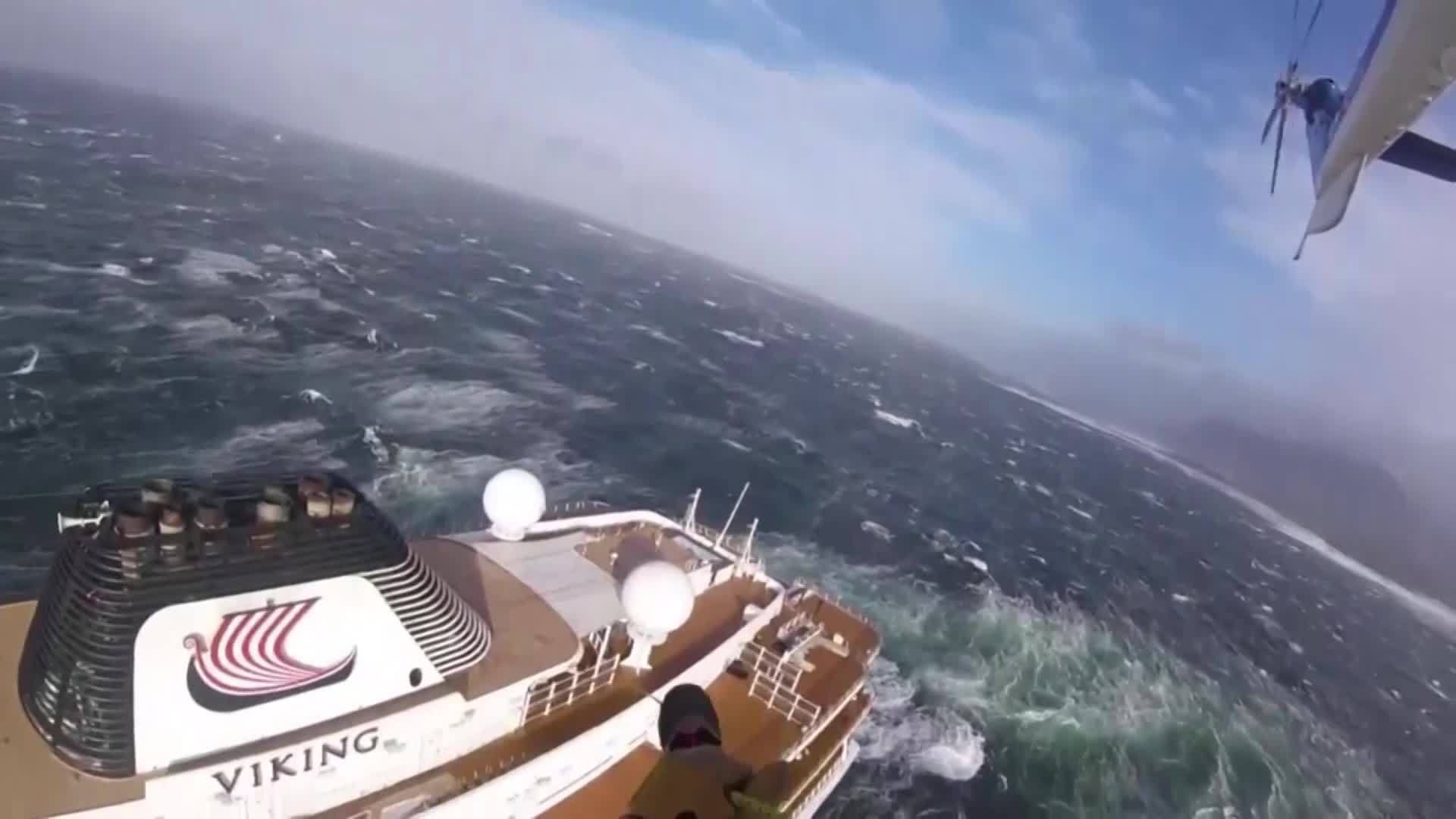 Norway cruise ship gets rescued