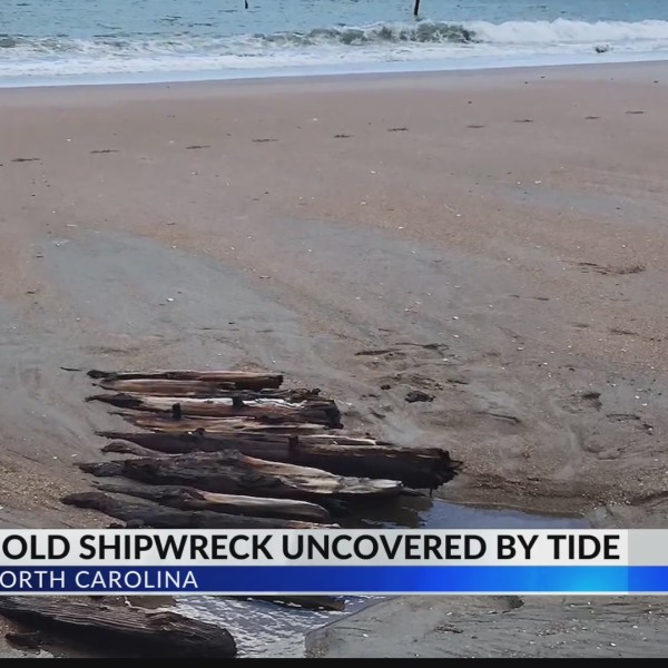 Shipwreck_uncovered_by_tide_0_20190423222822