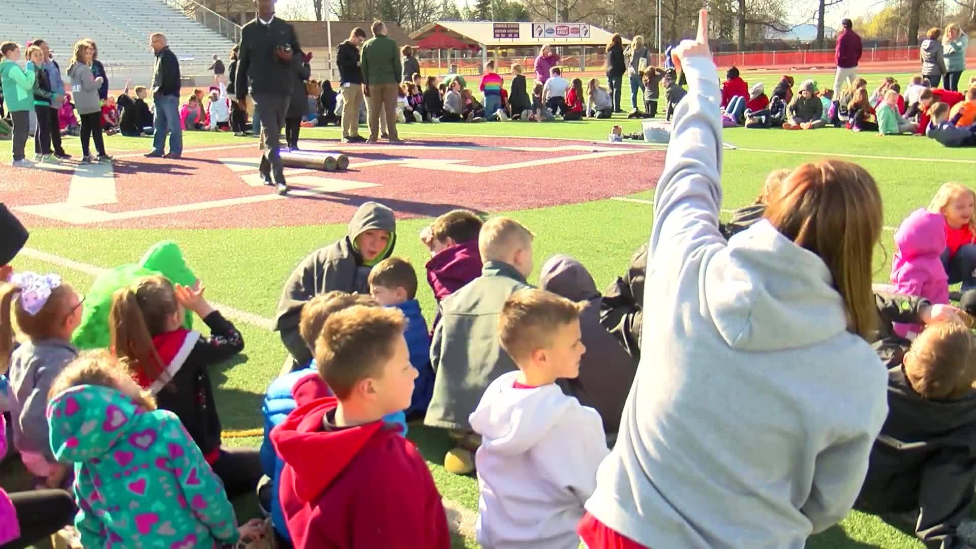 WTAJ Originals: School Balloon Launch