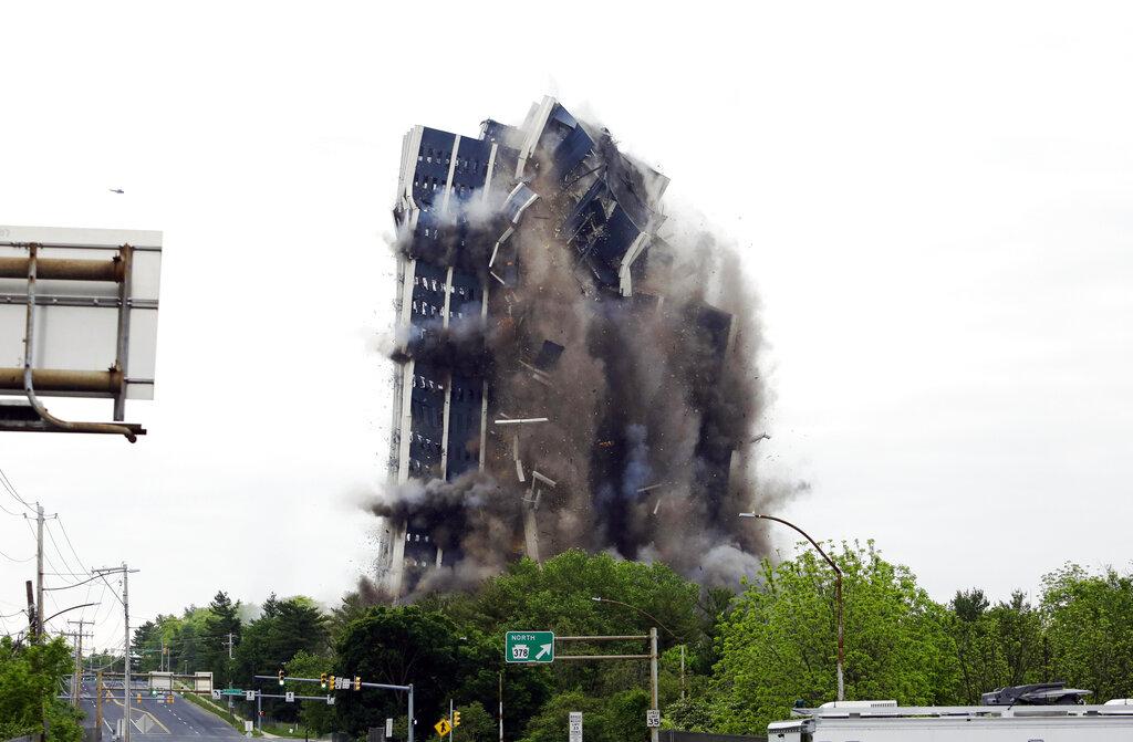 Steelmaker's Headquarters Implosion_1558287277061