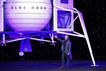 Bezos Blue Origin_1557458540428