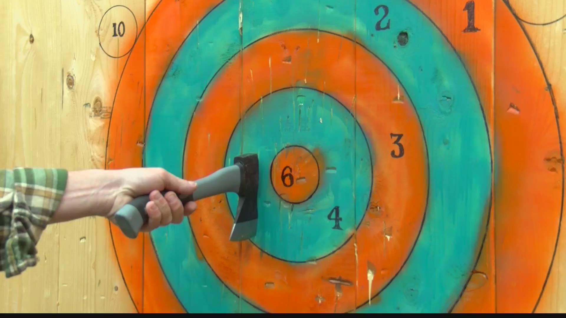 Axe_throwing_business_coming_to_Holliday_0_20190509224240
