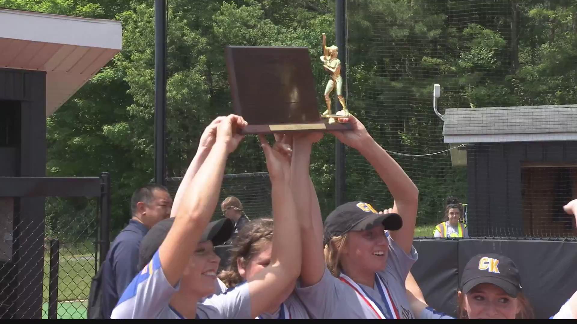 Claysburg_Kimmel_wins_District_softball__0_20190601033823