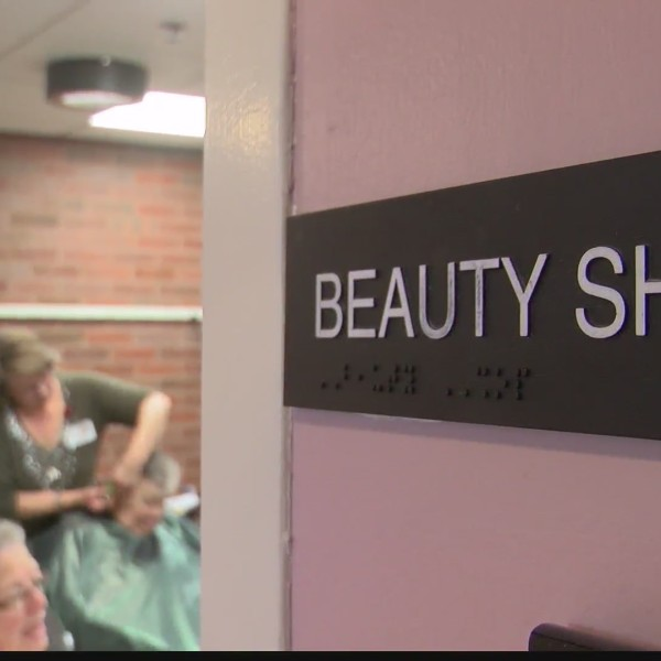Free beauty shop at Centre Crest