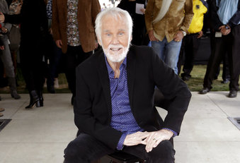 People Kenny Rogers_1559339115480