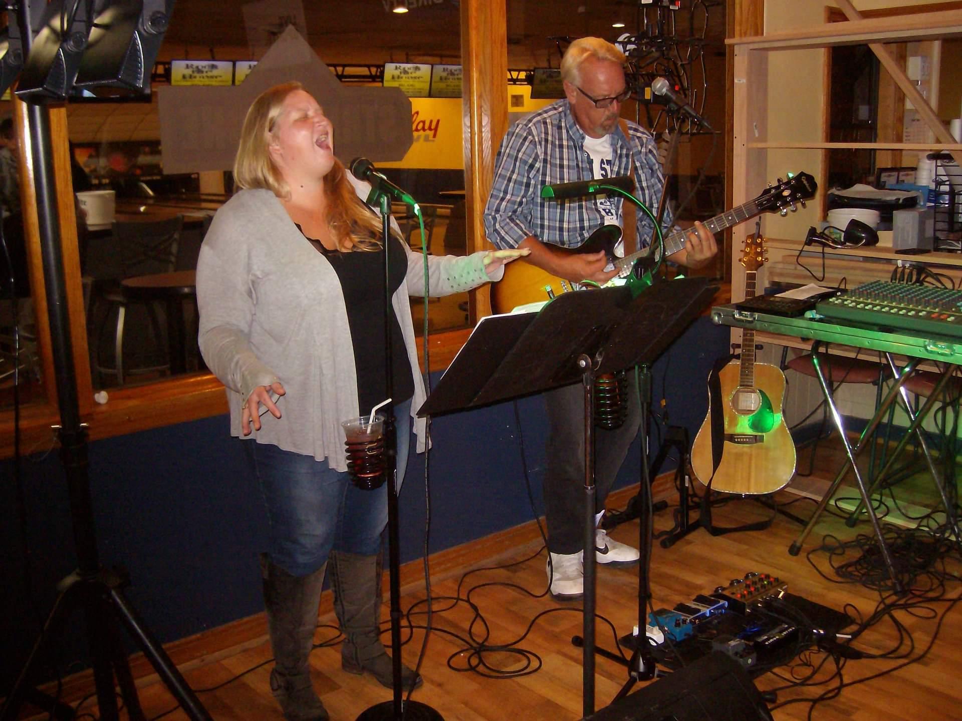 Lauren and Joe Acoustic_1557523851994.jpg.jpg