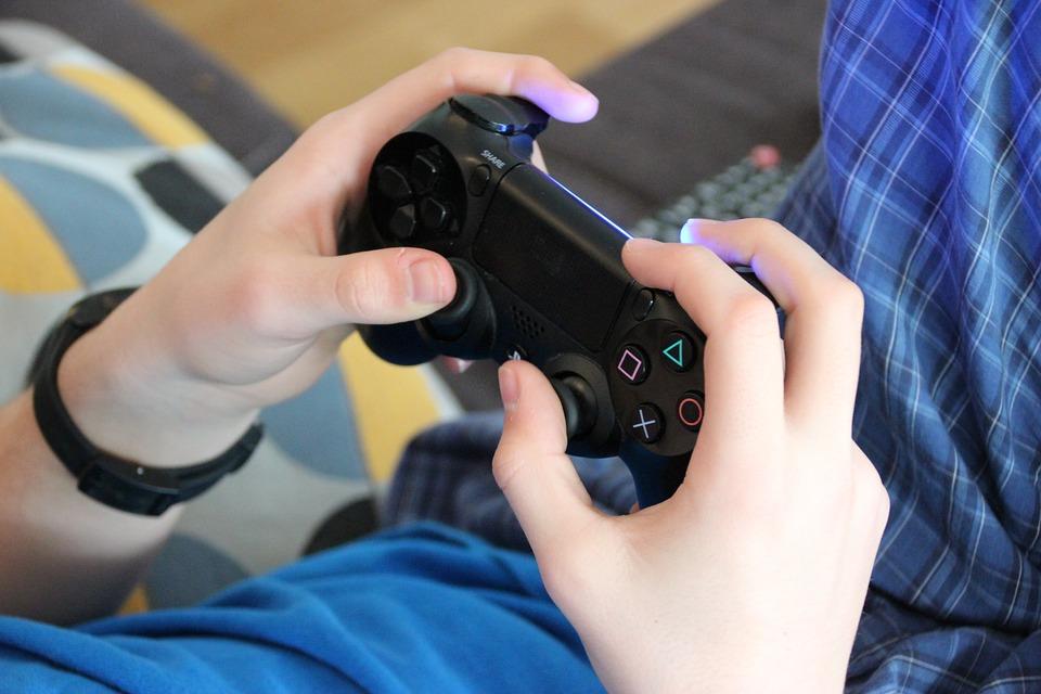 VIDEO GAMES_1556796002111.jpg.jpg