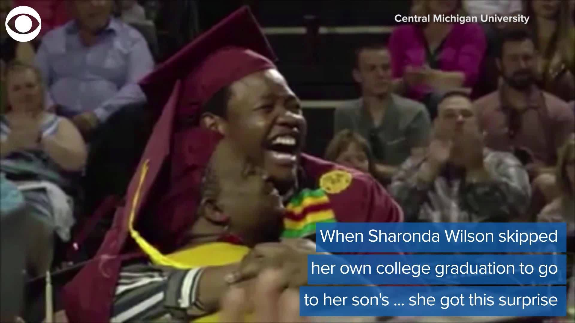 WEB_EXTRA__Mother_and_Son_graduate_toget_0_20190507223655