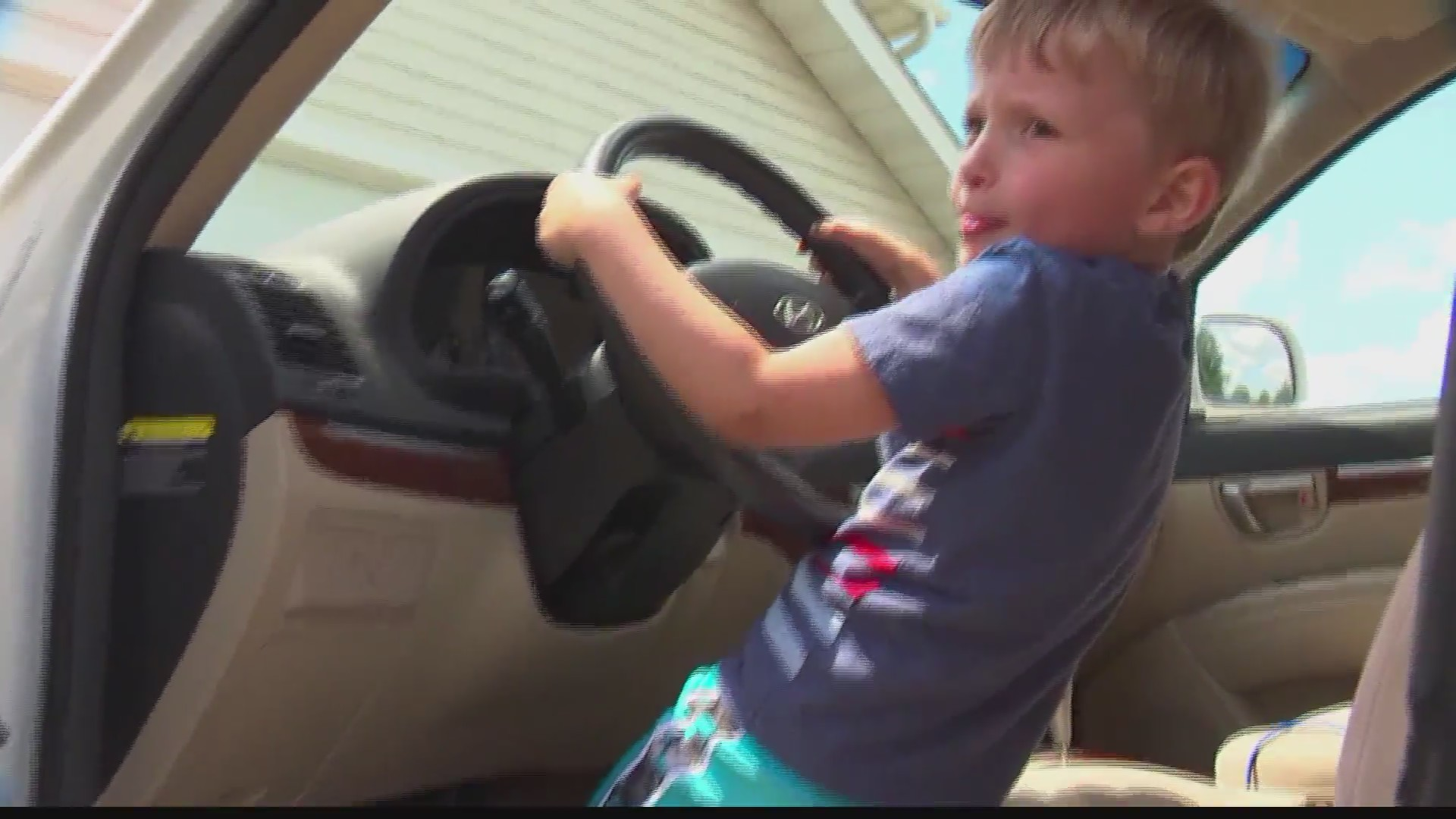 Four_year_old_drives_grandpa_s_car_to_ga_0_20190614092827