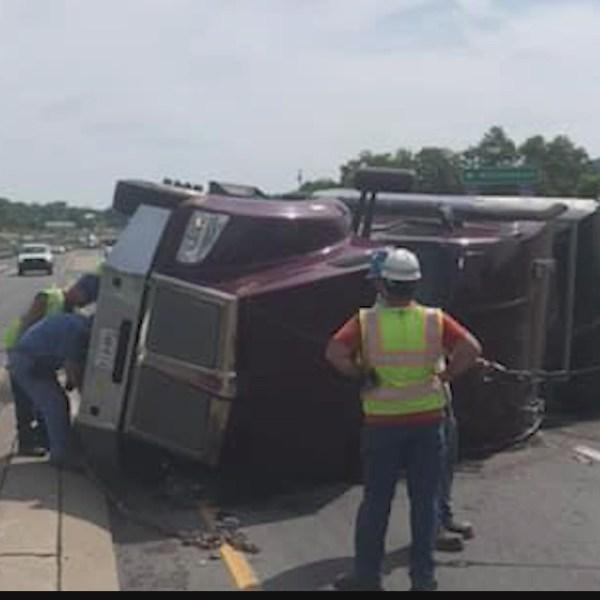 Tractor_trailer_rollover_crash_in_Centre_0_20190612183428