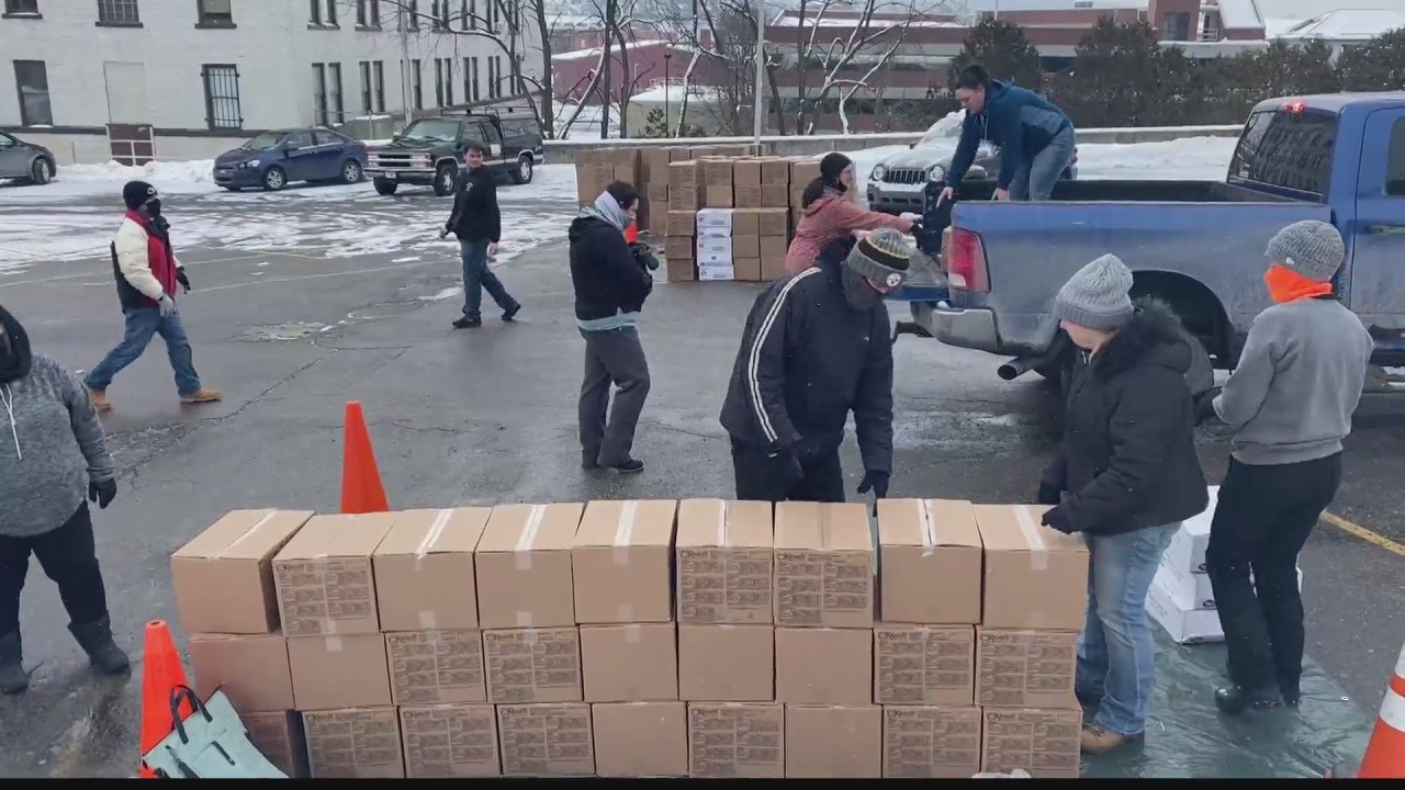 Center City Church gives out two truckloads of food